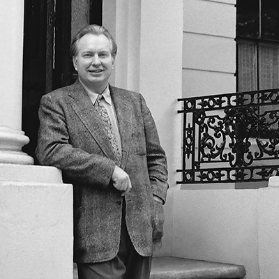 L. Ron Hubbard, fondateur de la Dianétique et de la Scientologie